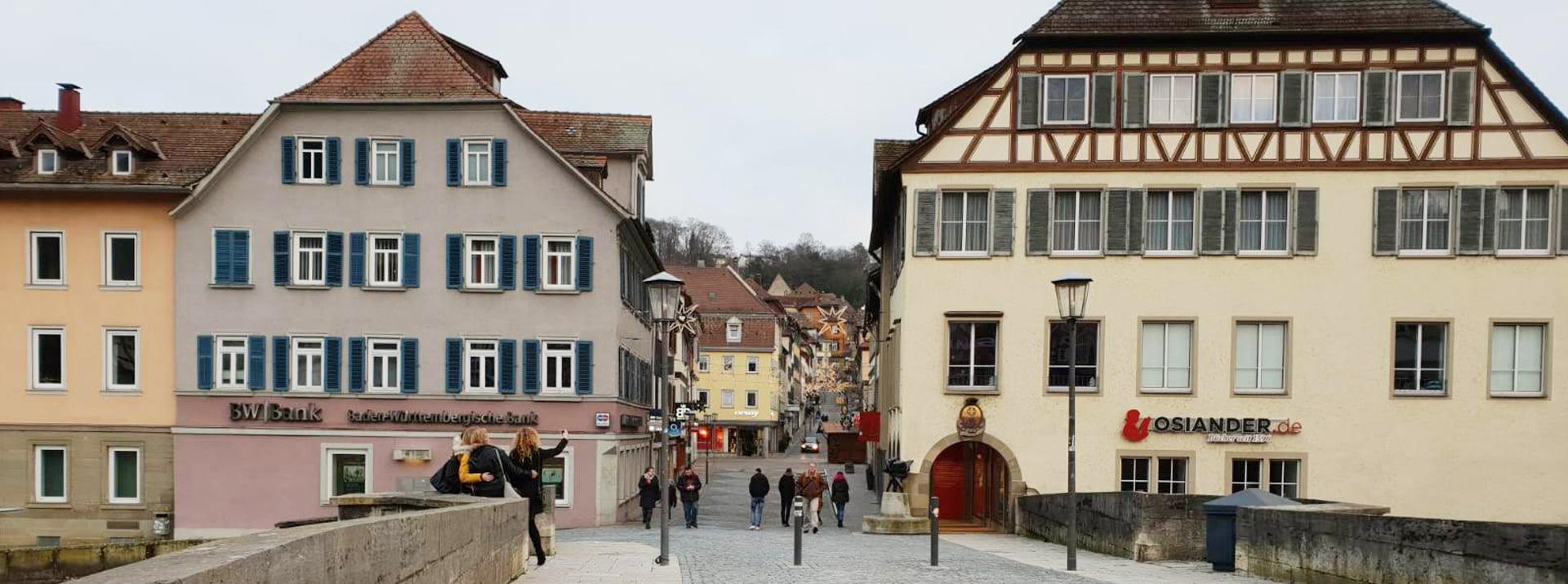 Unsere Praxis liegt mitten in der Altstadt von Schwäbisch Hall